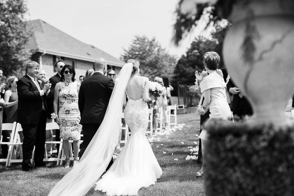 Lake-Estate-Backyard-Wedding-Wisconsin_088.jpg