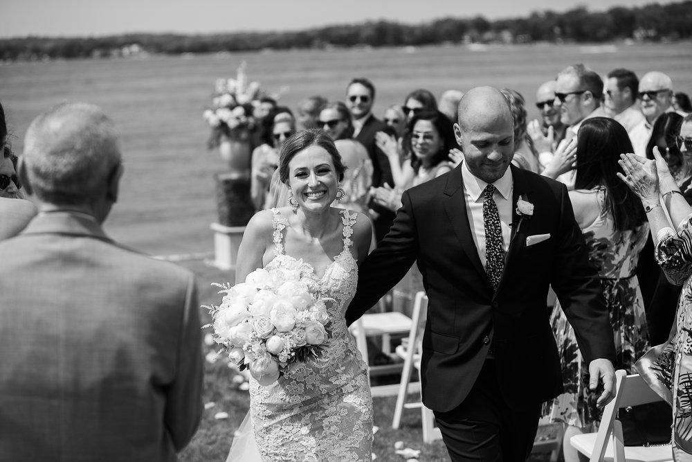 Lake-Estate-Backyard-Wedding-Wisconsin_090.jpg