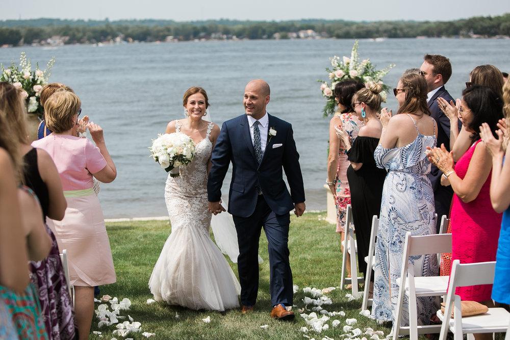 Lake-Estate-Backyard-Wedding-Wisconsin_089.jpg