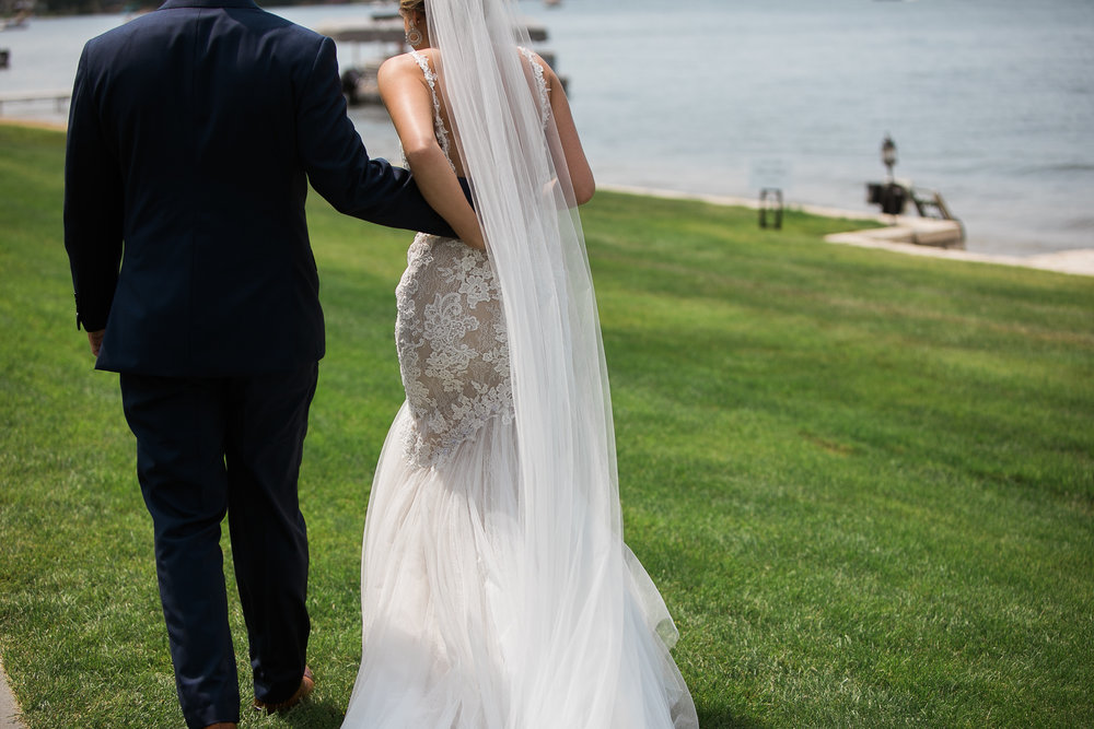 Lake-Estate-Backyard-Wedding-Wisconsin_091.jpg