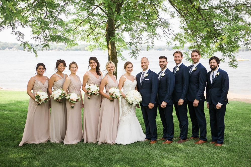Lake-Estate-Backyard-Wedding-Wisconsin_093.jpg