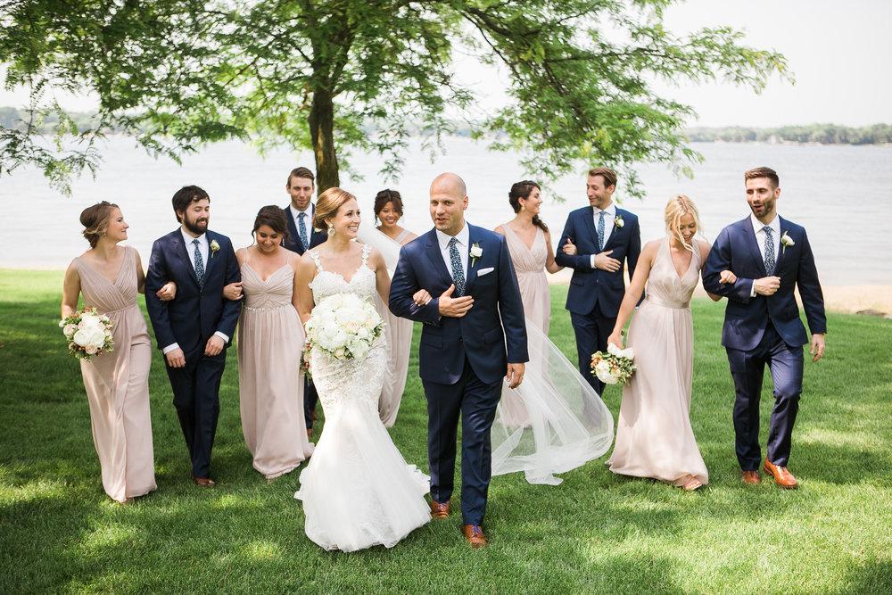 Lake-Estate-Backyard-Wedding-Wisconsin_098.jpg