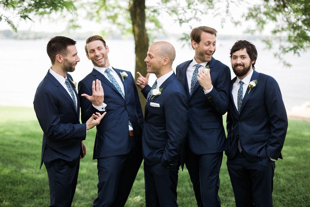 Lake-Estate-Backyard-Wedding-Wisconsin_104.jpg