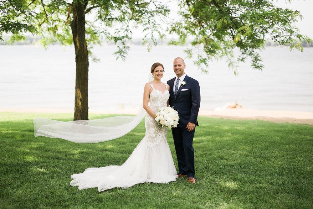 Lake-Estate-Backyard-Wedding-Wisconsin_108.jpg