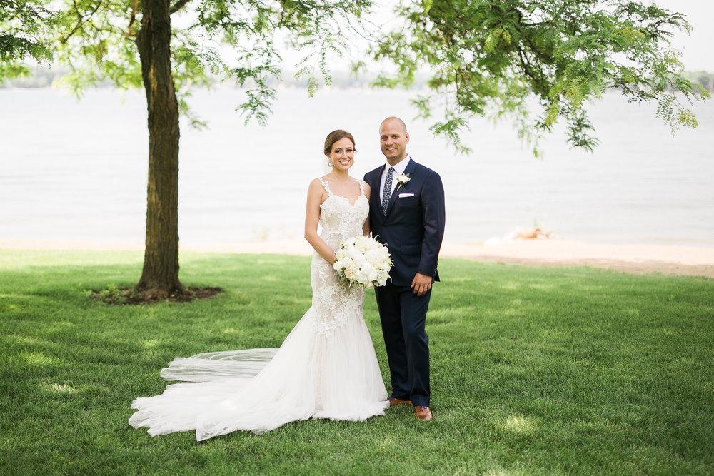 Lake-Estate-Backyard-Wedding-Wisconsin_109.jpg