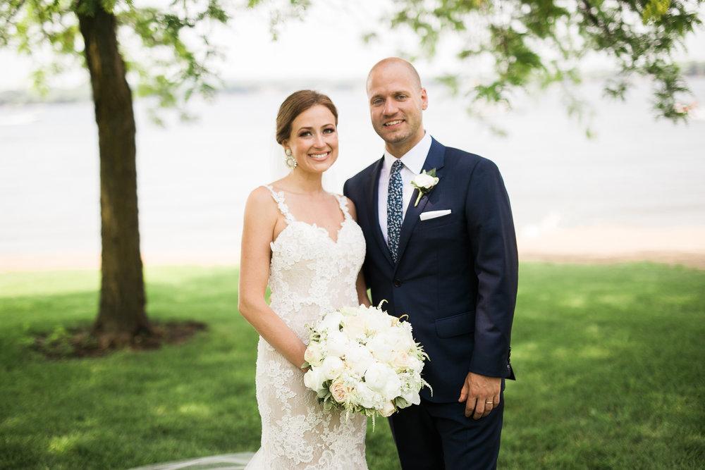 Lake-Estate-Backyard-Wedding-Wisconsin_111.jpg
