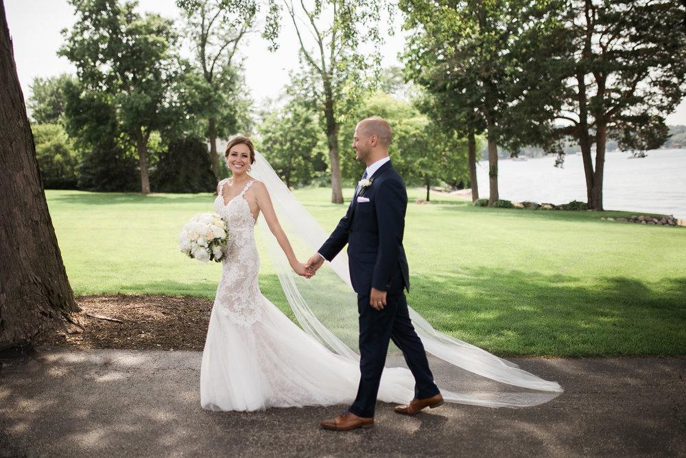 Lake-Estate-Backyard-Wedding-Wisconsin_122.jpg