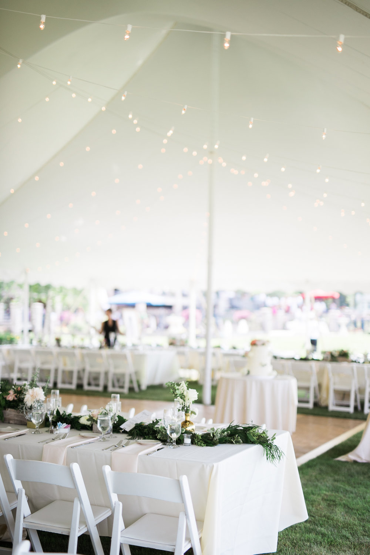 Lake-Estate-Backyard-Wedding-Wisconsin_140.jpg