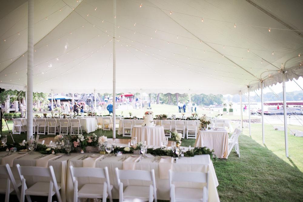 Lake-Estate-Backyard-Wedding-Wisconsin_142.jpg
