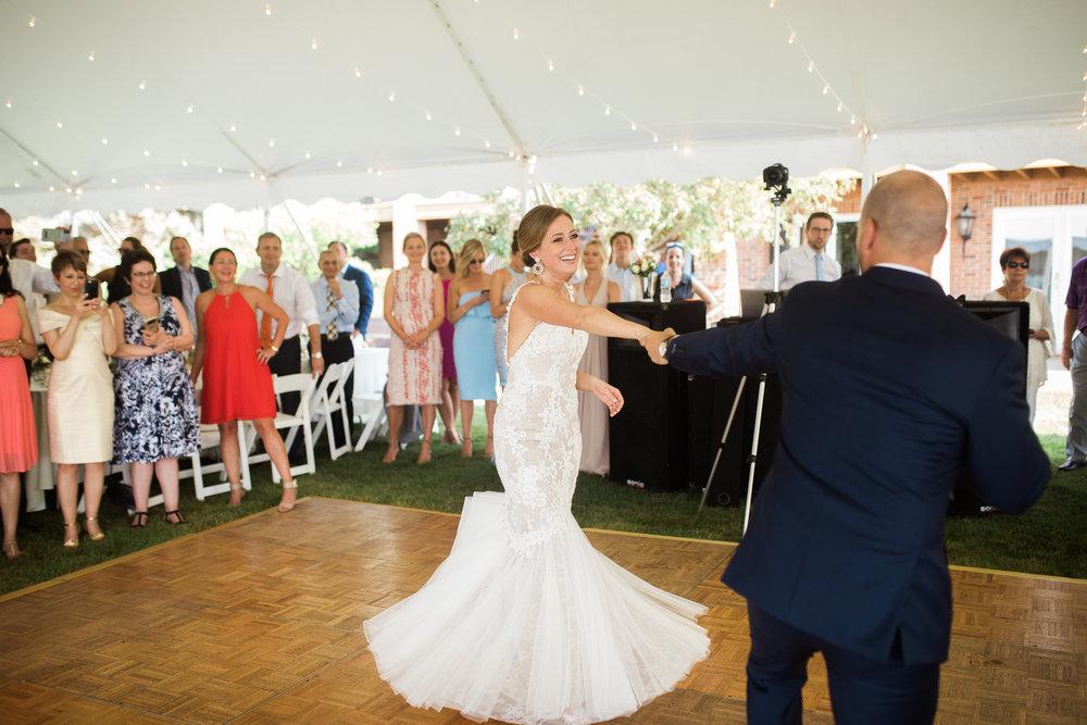 Lake-Estate-Backyard-Wedding-Wisconsin_162.jpg