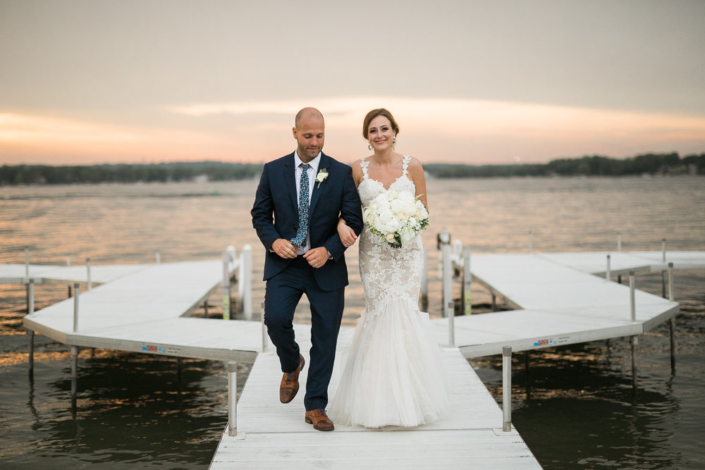 Lake-Estate-Backyard-Wedding-Wisconsin_197.jpg