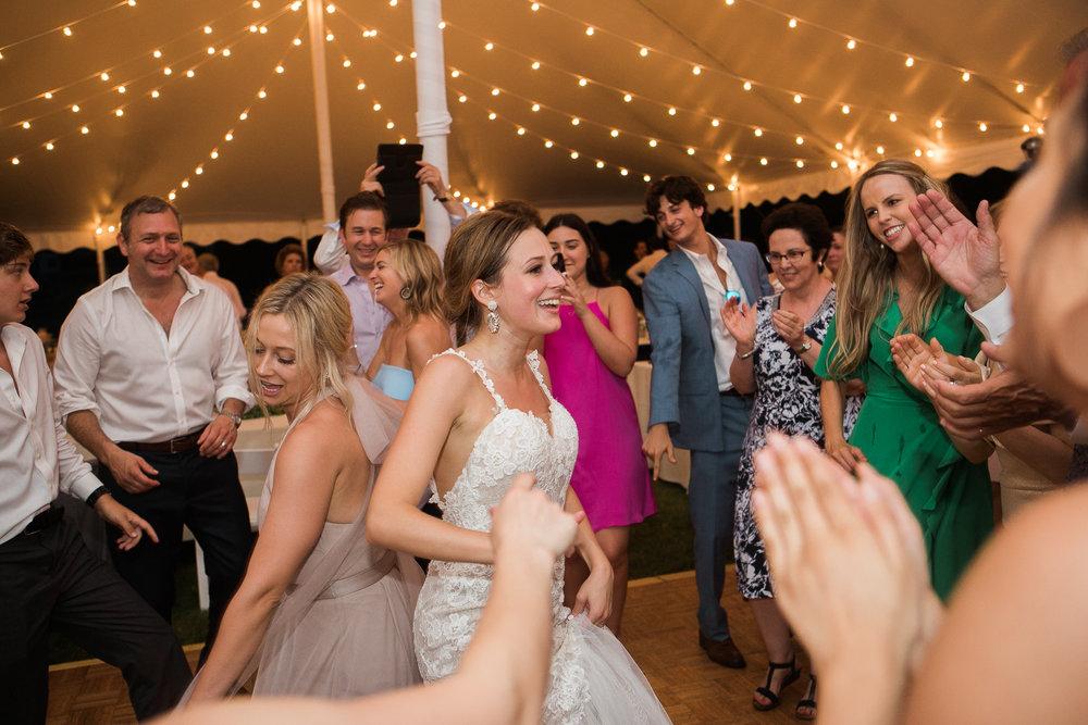 Lake-Estate-Backyard-Wedding-Wisconsin_213.jpg