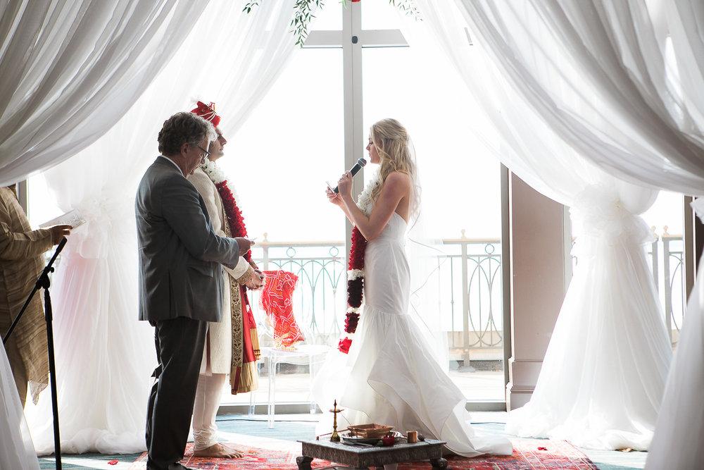 Indian-Fusion-Wedding-Madison-Wisconsin_121.jpg