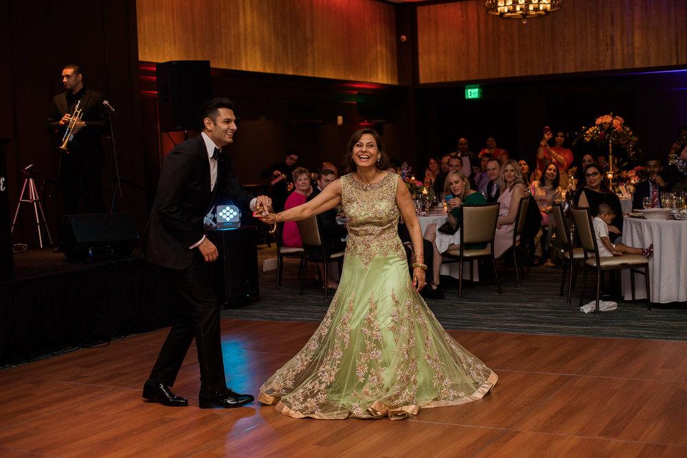 Indian-Fusion-Wedding-Madison-Wisconsin_174.jpg