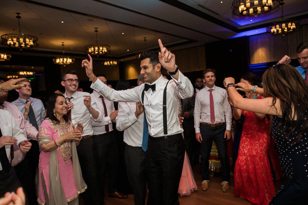 Indian-Fusion-Wedding-Madison-Wisconsin_177.jpg
