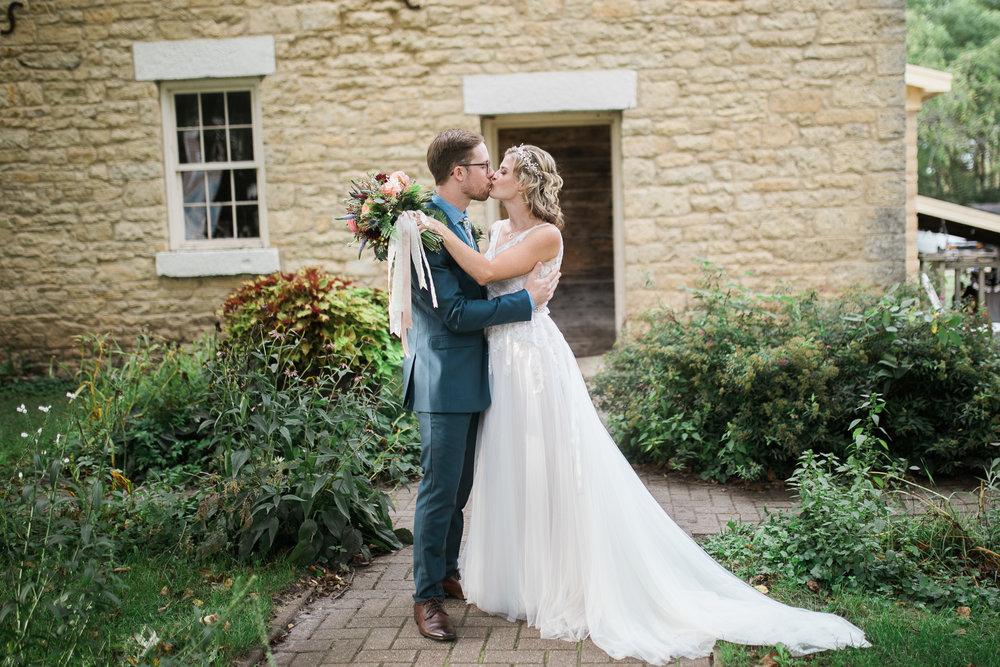 Wisconsin-Paoli-Mill-Wedding-Photography_162.jpg