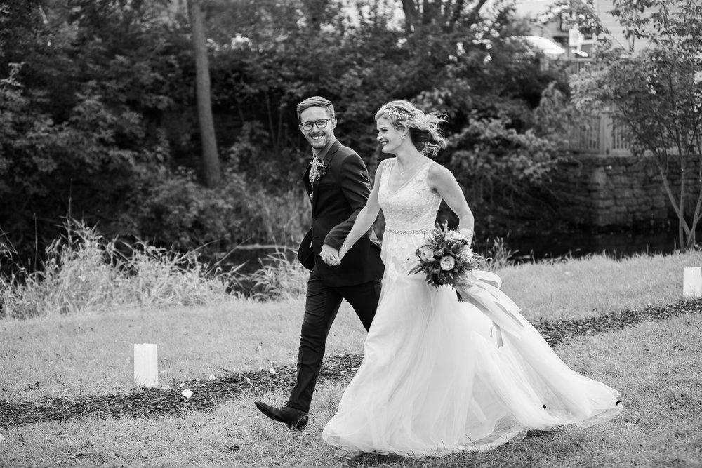 Wisconsin-Paoli-Mill-Wedding-Photography_171.jpg