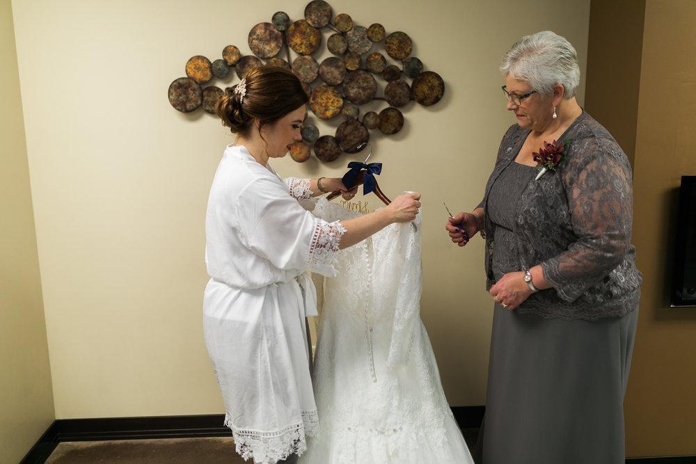 Minnesota-winter-wedding-New-Ulm_020.jpg