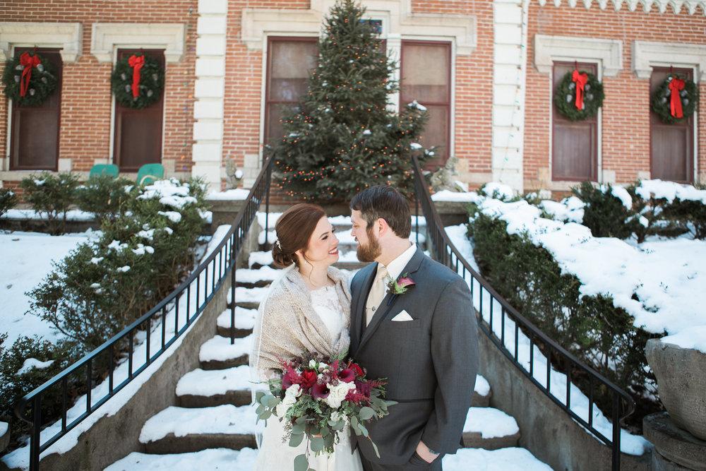 Minnesota-winter-wedding-New-Ulm_031.jpg