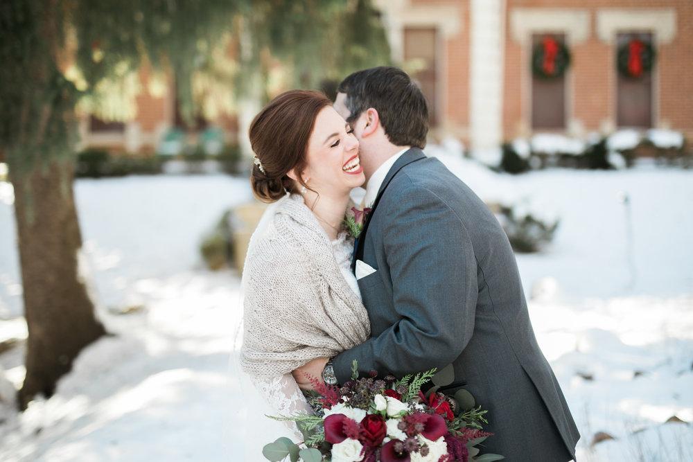 Minnesota-winter-wedding-New-Ulm_036.jpg