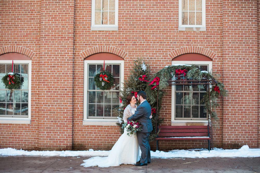 Minnesota-winter-wedding-New-Ulm_044.jpg