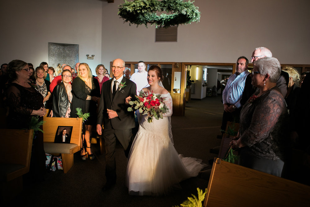 Minnesota-winter-wedding-New-Ulm_071.jpg