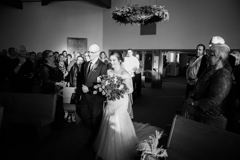 Minnesota-winter-wedding-New-Ulm_072.jpg