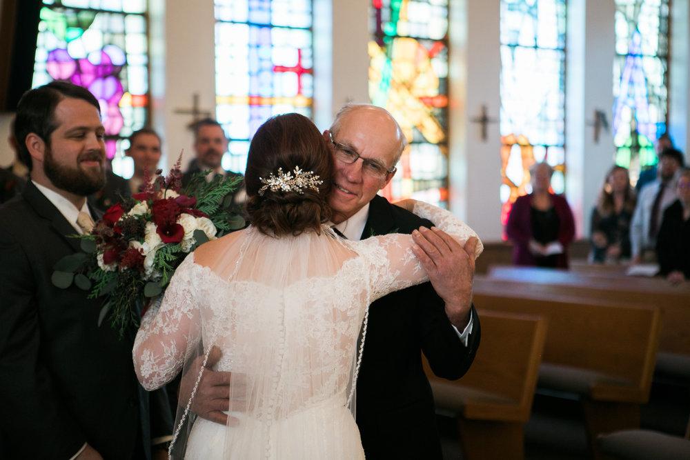 Minnesota-winter-wedding-New-Ulm_074.jpg