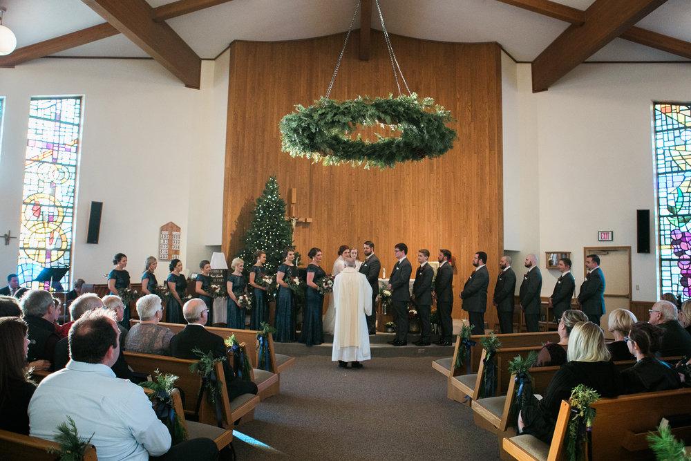 Minnesota-winter-wedding-New-Ulm_082.jpg