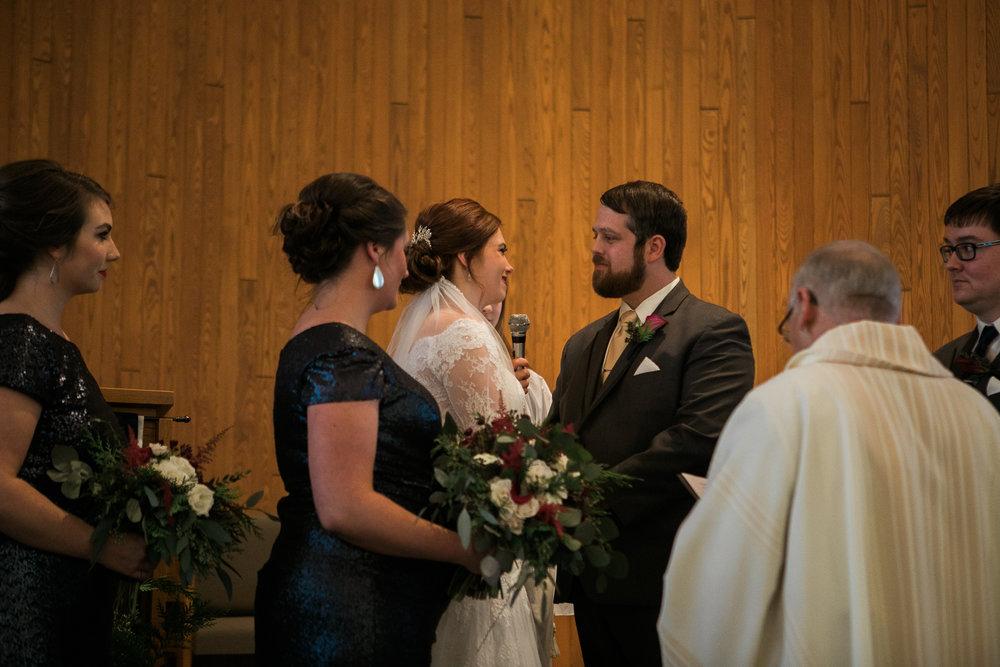 Minnesota-winter-wedding-New-Ulm_085.jpg