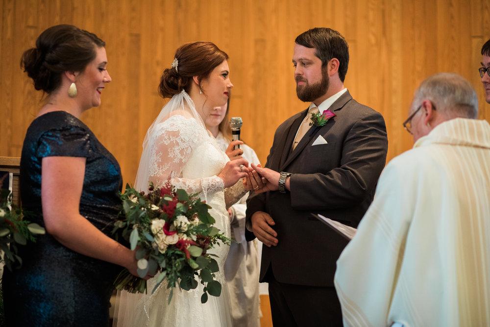 Minnesota-winter-wedding-New-Ulm_089.jpg