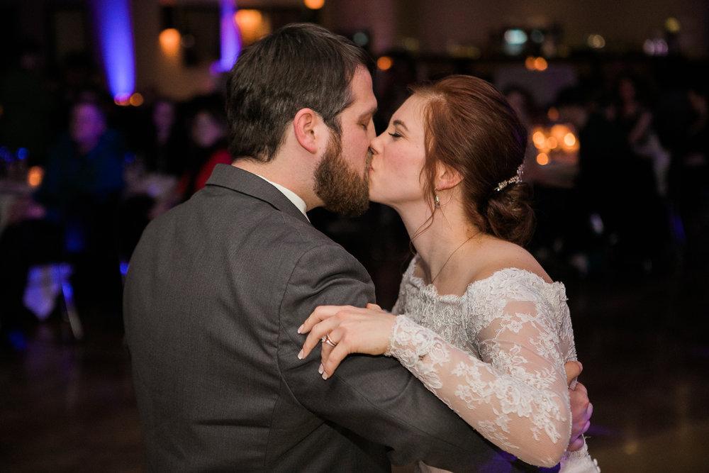 Minnesota-winter-wedding-New-Ulm_136.jpg