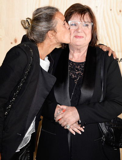 Isabel Marant kissing Margareta van den Bosch during therelease of the collection, Isabel Marant pour H & M.
