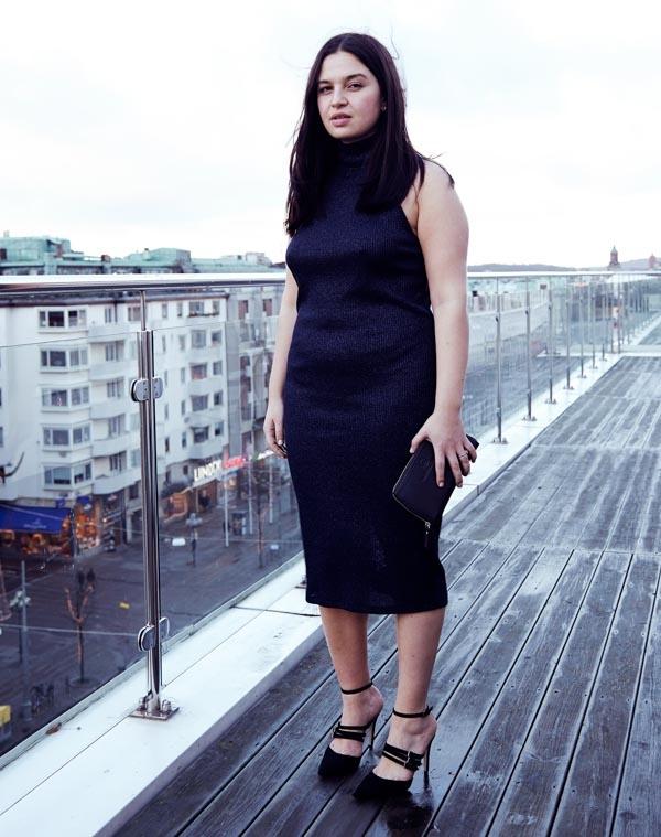 Wearing dress and heels from Zara and Vanessa Thiam clutch. Shot at Scandic Rubinen in Gothenburg.