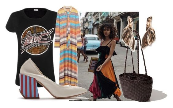 T-shirt from Loewe. Dress from Zara. Earrings from Zara. Shoes from Bimba y Lola. Bag from Uterque.