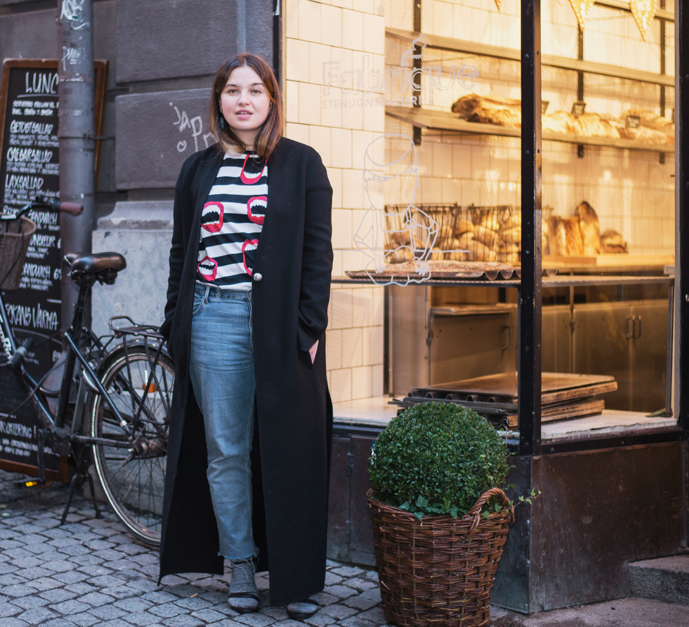 Wearing T-shirt from Whyred, Weekday jeans, coat from Acne Studios and shoes from Reschia.