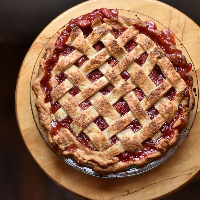 Memorial Day weekend marks the unofficial start of summer! Kick back, relax, and eat lots of pie!