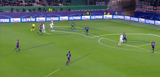 Kruse's clever run down the left opens up space for Draxler to drift inside, and he fires an effort at goal which Zoet saves well (although Kruse then scored after the rebound was crossed in).