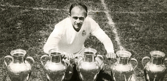 Di Stéfano with the five European Cups he helped bring to Madrid. It's fair to say that the confusion and hassle of the transfer was worth it in the end.
