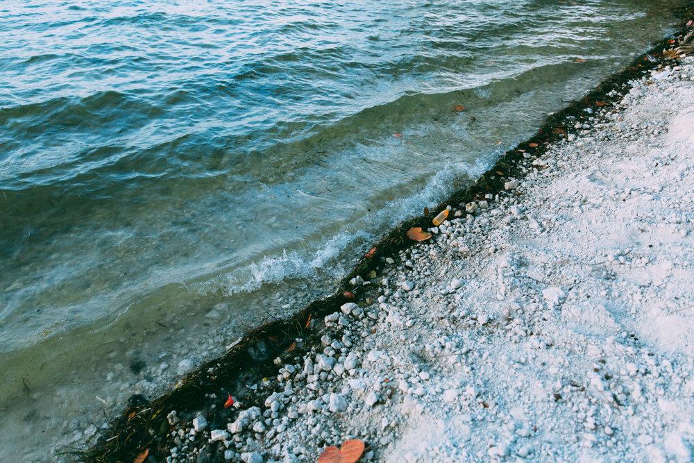 neuestock-water-meets-the-shore.jpg