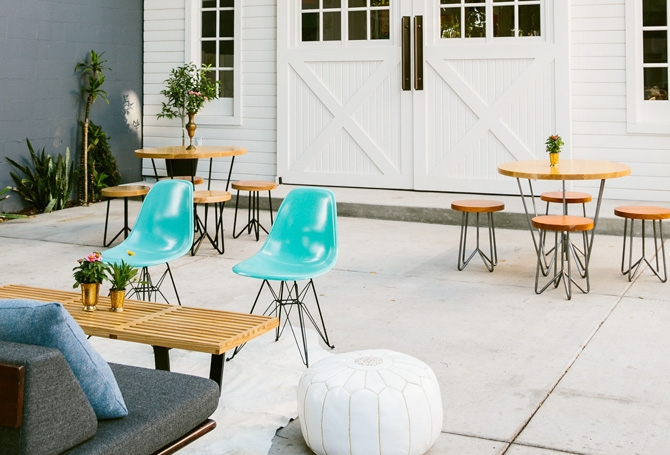 Yeah Rentals Table & Stools