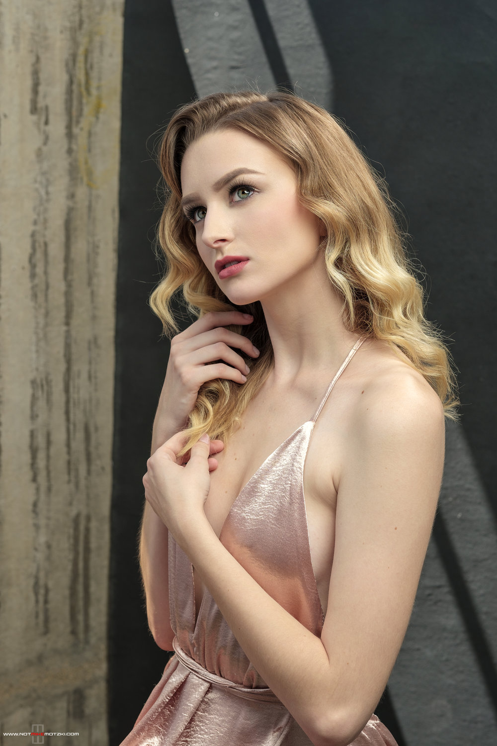san diego fashion beauty and glamour photographer Mike Mozki takes us behind the scenes with his shoot with model Zoe Birdsell and makeup artists Natalie Dixon