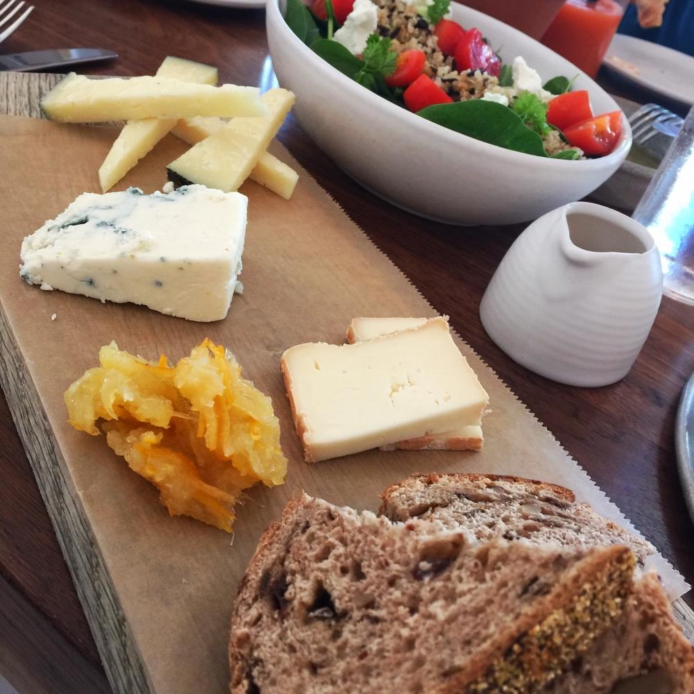 tábua de queijos (brunch)
