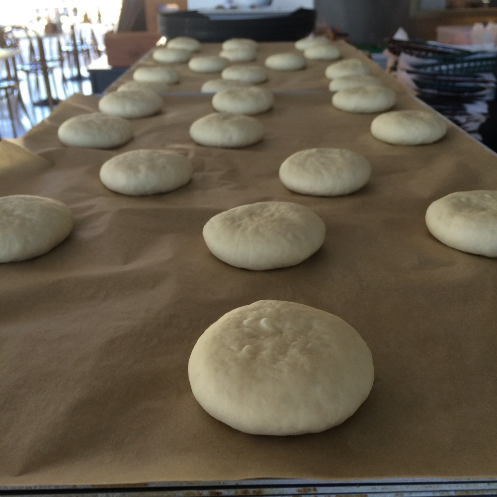 Pão brioche in the making