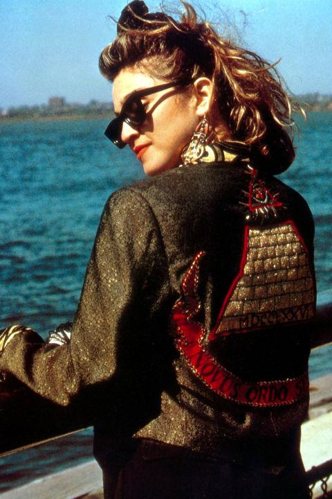 hbz-80s-fashion-1985-madonna-gettyimages-537156173.jpg