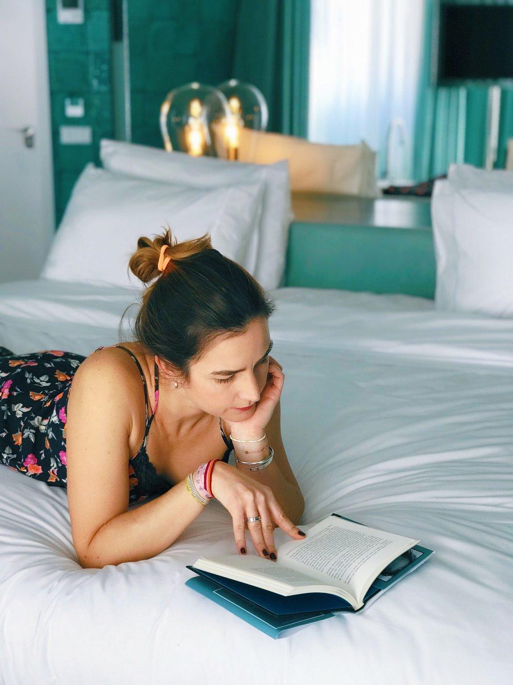 camas enormes e confortáveis, roupa de cama suave e macia, que convida a ficar...