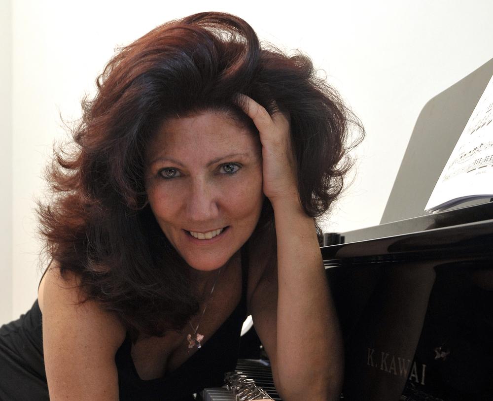 Italian flute artist Luisa Sello, April 18