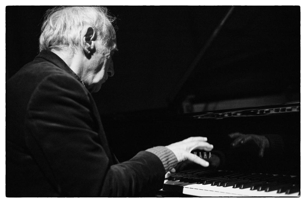 Frederic Rzewski, piano
