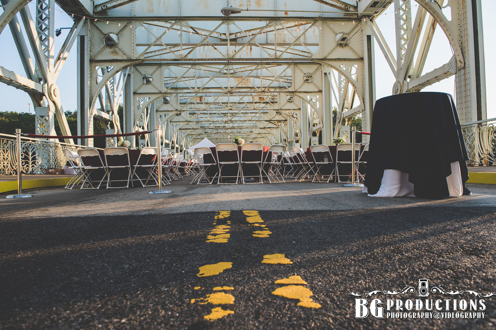 Dance_On_Falls_Bridge_Philadelphia_Photographer_BG_Productions _Trust_Philadelphia_wedding_photography_Philadelphia_wedding_photographer_BG_Productions-105.jpg