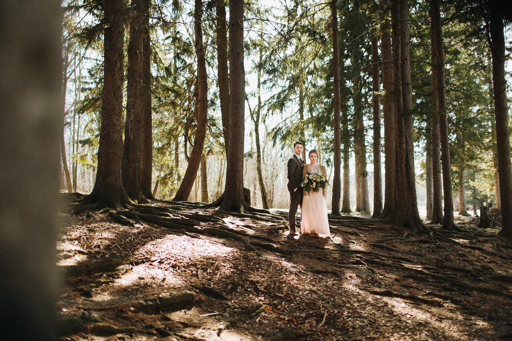 Woodland Wedding at Cedar Lakes Estate in New York State :: The More We See Photography :: Heart & Dash Planning